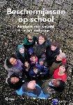 Tjin A Djie, Kitlyn, Zwaan, Irene - Beschermjassen op school